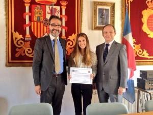 beca brunete mercedes 300x225 La Universidad Francisco de Vitoria concede una beca de estudios del cien por cien a una alumna de Brunete