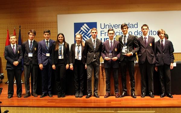 Finalistas Retamar CAUDE TIDE17 El colegio Caude de Majadahonda gana la V edición del Torneo Intermunicipal de Debate Escolar celebrado en la Universidad Francisco de Vitoria