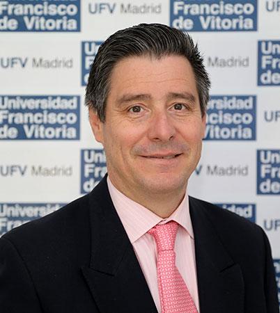 Humberto Martínez Fresneda Humberto Martínez Fresneda, director de Periodismo, analiza la propuesta de la ministra Carmen Calvo de debatir una posible regulación de la libertad de expresión