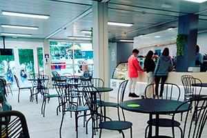 mesas the garden cafeteria edificio M UFV En tus cafeterías Estudiar en Universidad Privada Madrid