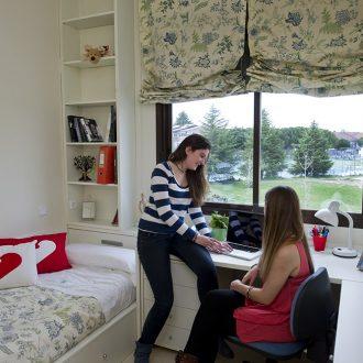 Habitación de chicas 330x330 Instalaciones