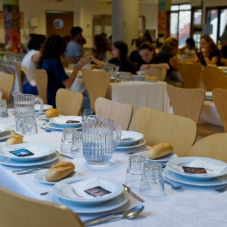 comedor colegio mayor 330x330 Instalaciones Estudiar en Universidad Privada Madrid
