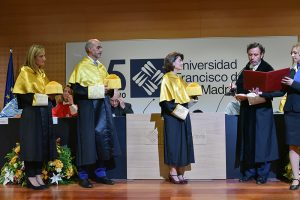 1 La UFV entrega las medallas doctorales a los nuevos doctores en la inauguración del Curso Académico 18/19