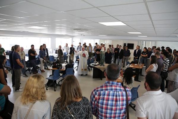 2 La Facultad de Comunicación celebra la bendición del nuevo edificio