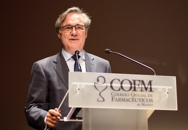 Fernando Caro Fernando Caro, profesor de Farmacia en la UFV, homenajeado por el Colegio Oficial de Farmacéuticos de Madrid