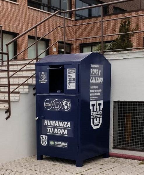 Humana 02 Humana instala un segundo punto de recogida de textil usado en la Universidad Francisco de Vitoria