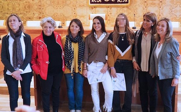 La Universidad Francisco de Vitoria entrega las becas de excelencia para 2 empadronadas en Torrelodones La Universidad Francisco de Vitoria entrega las becas de excelencia para 2 empadronadas en Torrelodones