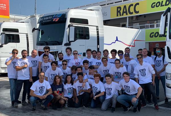 Nuestros alumnos viven de cerca la Fórmula 3 en el Circuit de Barcelona Nuestros alumnos viven de cerca la Fórmula 3 en el Circuit de Barcelona
