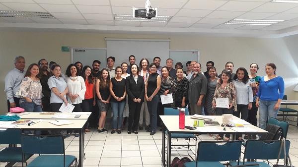 Paloma Puente La directora del Máster en Enseñanza de Español para Extranjeros, Paloma Puente, imparte un curso de formación a 40 profesores en UNIVA (México)