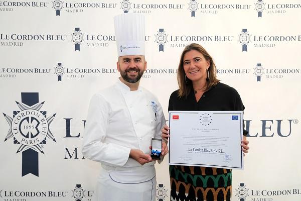 Rosario Barrios and Erwan Poudoulec gold medal Le Cordon Bleu Madrid recibe la Medalla de Oro europea al mérito al trabajo