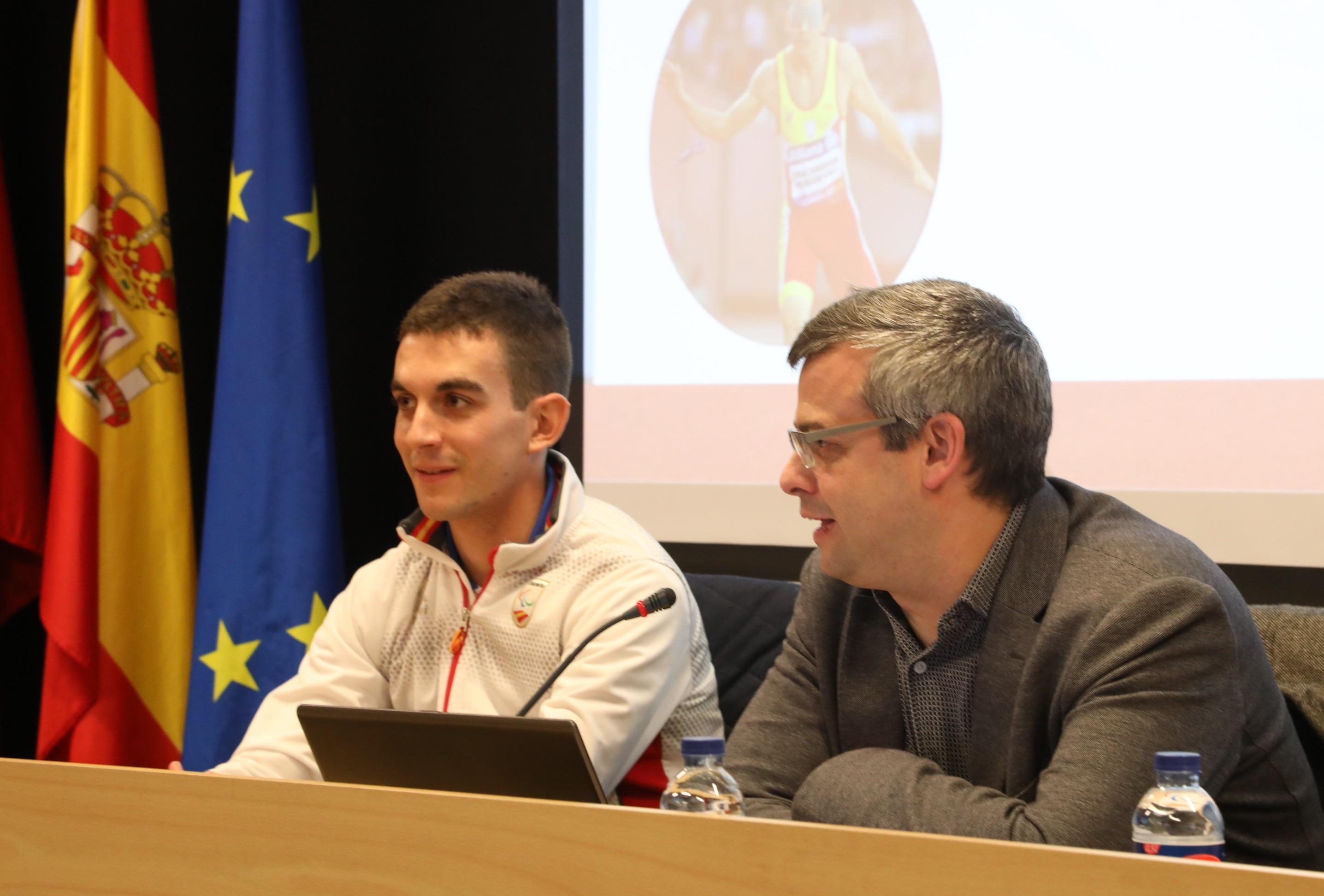 descarrega leardy El atleta invidente Gerard Descarrega visita la Universidad Francisco de Vitoria