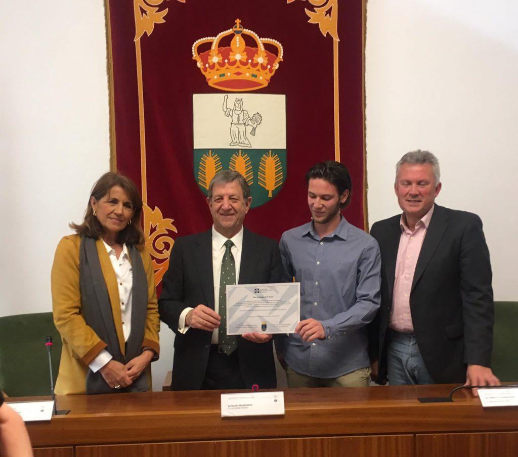 %name La Universidad Francisco de Vitoria entrega una beca de excelencia a Rodrigo Arce, empadronado en Villanueva de la Cañada