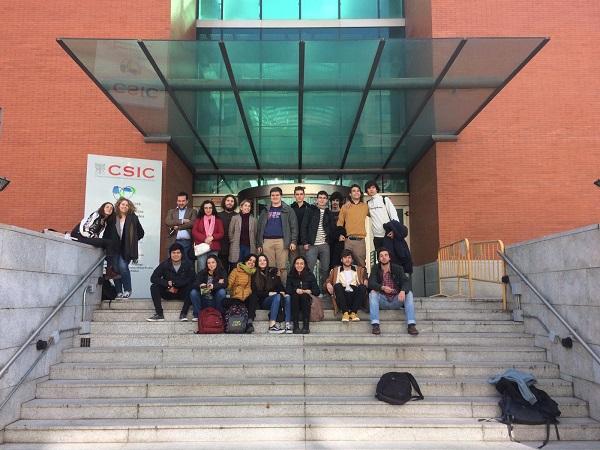 CSIC 1 1 Profesores y alumnos de los Grados en Humanidades y Filosofía Política y Economía (FPE) asisten a una actividad sobre Teatro Griego y son recibidos en el CSIC