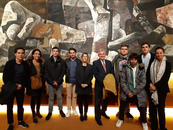 Fundacioìn Juan MArch Profesores y alumnos de los Grados en Humanidades y Filosofía Política y Economía (FPE) asisten a una actividad sobre Teatro Griego y son recibidos en el CSIC