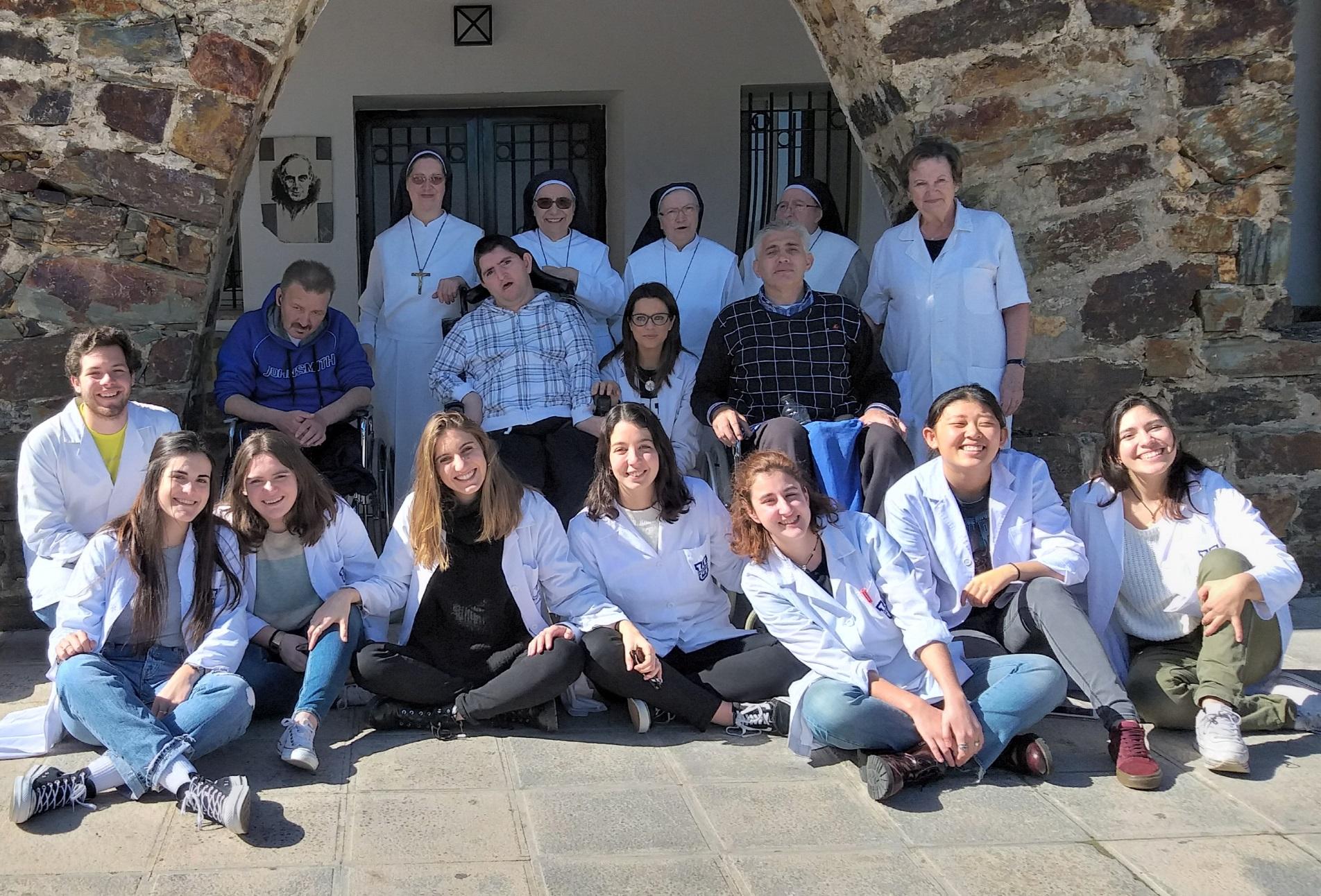 cottolengo ufv Alumnos de Enfermería, Medicina y Fisioterapia visitan el Cottolengo