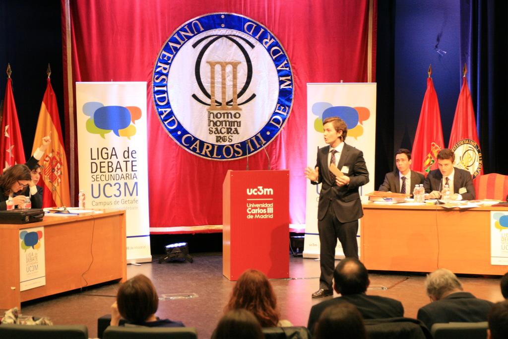 debate3 Isidro Catela y María Pérez participan como jueces en la Liga de Debate de Secundaria de la UC3M