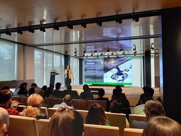 20190403 113532 Alumnos de la UFV adaptan videojuegos y mandos para personas con discapacidad en colaboración con Xbox Estudiar en Universidad Privada Madrid