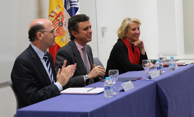cum Easy Resize.com  La Universidad Francisco de Vitoria (Madrid) entrega los I Premios Cum Laude a la investigación en bachillerato