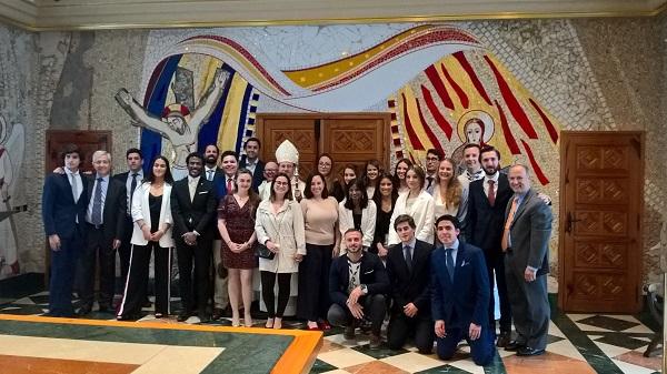 IMG 20190518 WA0020 Varios alumnos de la UFV reciben la confirmación de manos del obispo auxiliar de Madrid, Don Santos Montoya