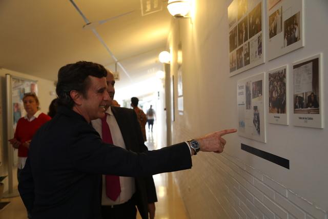 expo 25a 4 El Rector, Daniel Sada, inaugura la exposición del 25 Aniversario UFV