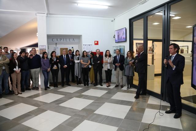 expo 25a 6 El Rector, Daniel Sada, inaugura la exposición del 25 Aniversario UFV