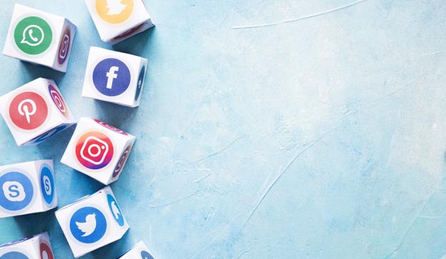 redes sociales Raquel Ayestarán y Felipe Rodrigo escriben un artículo sobre cómo formar en competencias a los futuros alumnos a través de las redes sociales