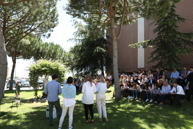 rosario ufv3 La Familia UFV reza unida el Rosario con motivo de la Virgen de Fátima