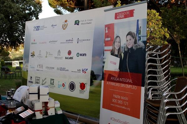 FHS 1798 La Universidad Francisco de Vitoria celebra la continuidad de su programa de becas con la Federación de Golf de Madrid en el VI Torneo Solidario de Golf Alumni & Friends UFV