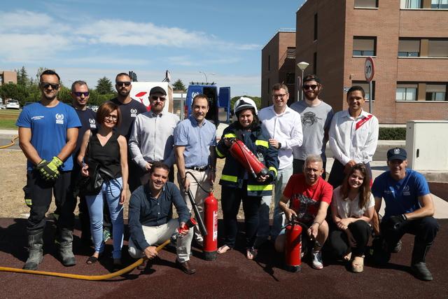 IMG 0026 Easy Resize.com  Los equipos de intervención en emergencias UFV adquieren competencias para la extinción de incendios en nuestro campus
