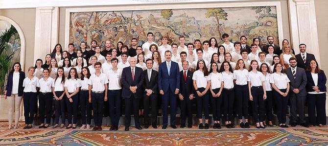be2019 El rey recibe en Zarzuela a los participantes del programa Becas Europa