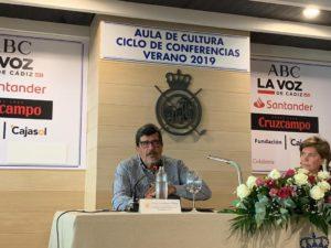 040919 300x225 El profesor Ángel Barahona participa en el Ciclo de Conferencias del Club de Golf Vista Hermosa