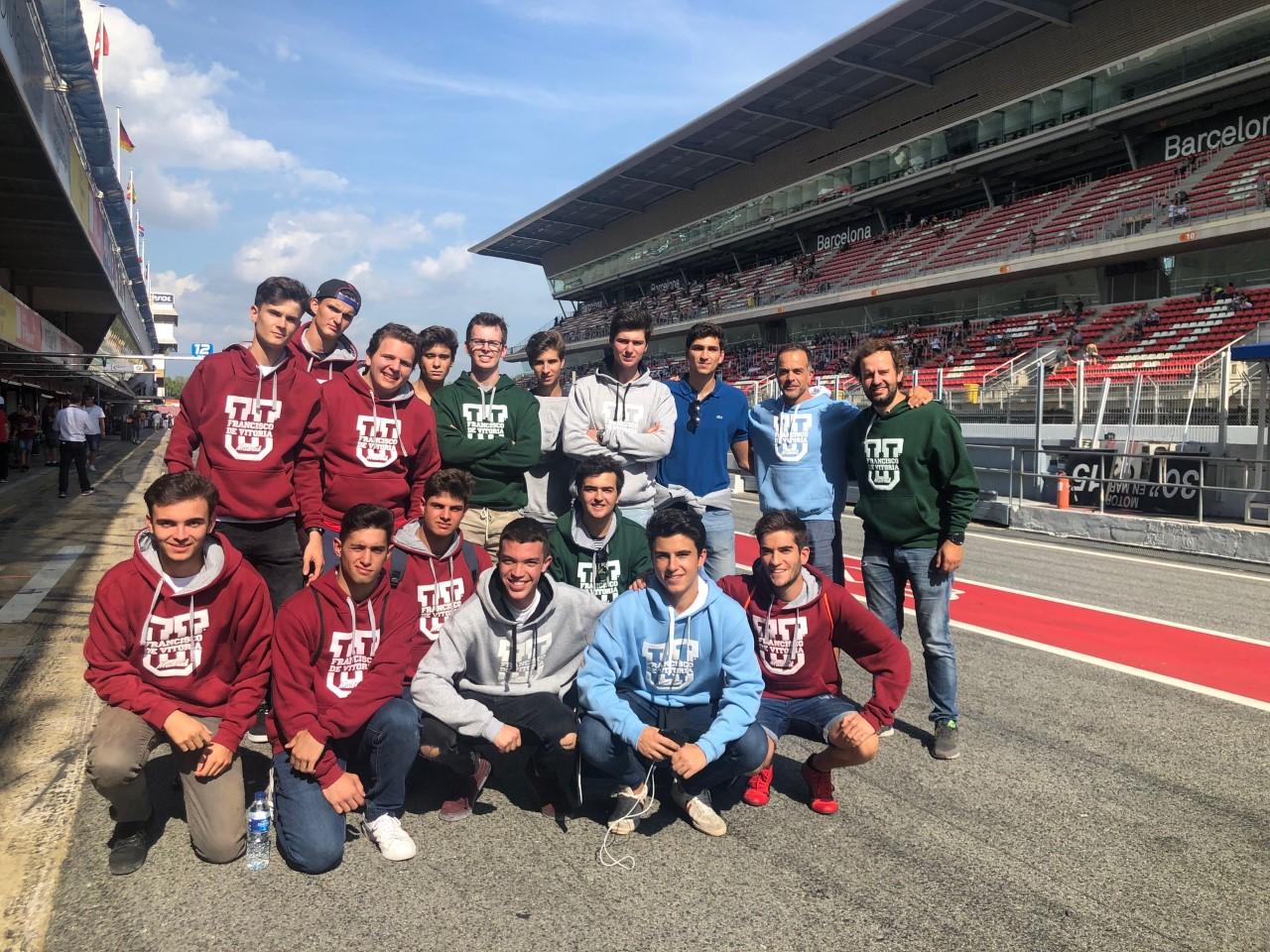 260919 2 Los alumnos de Ingeniería en Sistemas Industriales visitan el Circuito de Montmeló