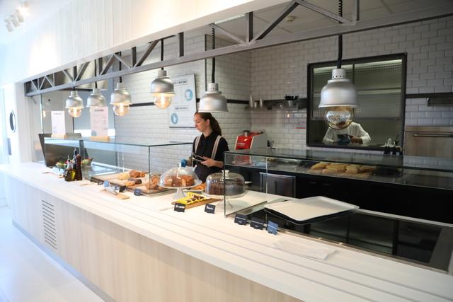 IMG 2384 Easy Resize.com  El Centro Deportivo UFV inaugura la nueva cafetería The Club