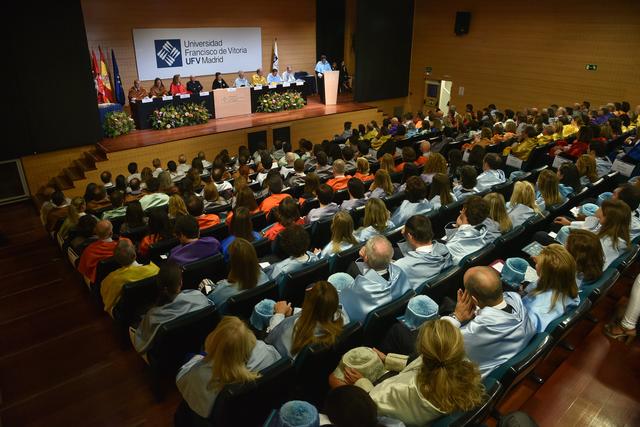Mesa autoridades La UFV reflexiona sobre el repensamiento, la comunidad y la cultura del acompañamiento en el Acto de Apertura del Curso Académico 19/20