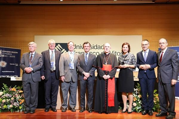 Premiados Razón Abierta La Universidad Francisco de Vitoria y la Fundación vaticana Joseph Ratzinger Benedicto XVI entregan los Premios Razón Abierta