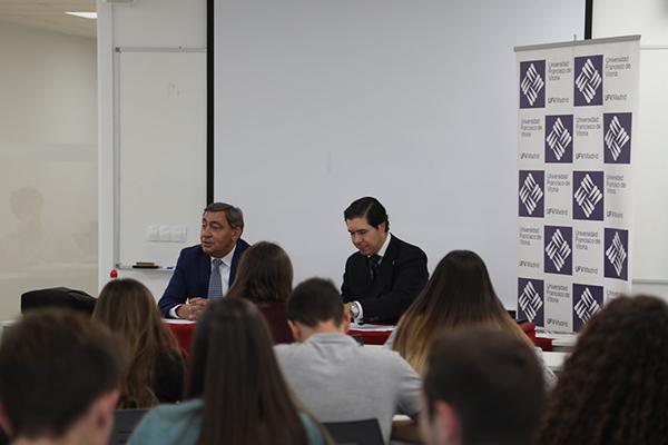 071019 4 Julián Sánchez Melgar, ex fiscal general del Estado, visita la UFV como parte del Seminario Permanente de Estudio Jurídico Estudiar en Universidad Privada Madrid