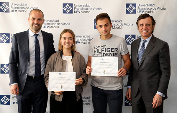 081019 Dos alumnos de Majadahonda reciben la beca de excelencia de la UFV Estudiar en Universidad Privada Madrid
