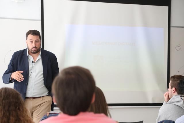 """IMG 2425 Easy Resize.com  El Centro de Emprendimiento UFV inaugura el curso con el taller """"Megatendencias tecnológicas en la era digital"""