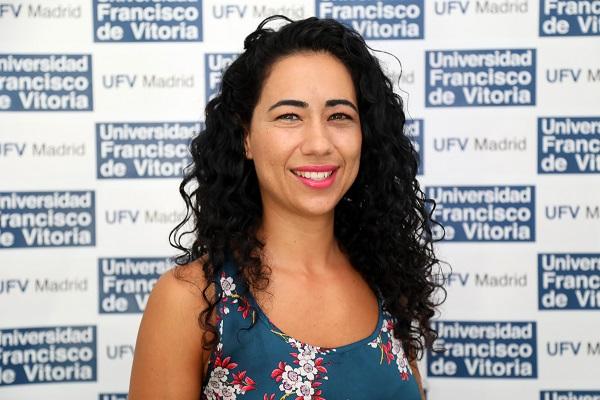 Mayra Ambrosio ¿Nos estamos cansando de las redes sociales? Mayra Ambrosio profesora del Taller de Periodismo Multimedia nos lo explica Estudiar en Universidad Privada Madrid