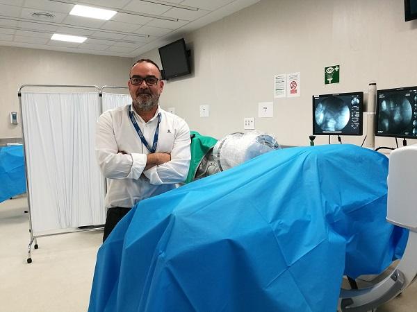 dr david abejon Especialistas en dolor crónico imparten en la UFV un curso pionero de neuroestimulación en cadáveres