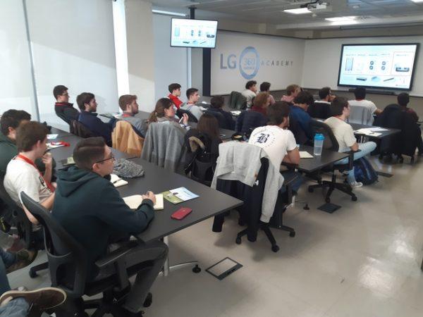 20191118 161457 1 Easy Resize.com  e1574848424198 Alumnos del Grado en Ingeniería en Sistemas Industriales visitan las oficinas centrales de LG Electonics España Estudiar en Universidad Privada Madrid