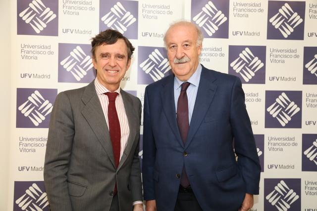 IMG 7645 Easy Resize.com  Vicente del Bosque visita la UFV para explicar a nuestros alumnos la importancia de los valores a lo largo de una carrera profesional Estudiar en Universidad Privada Madrid