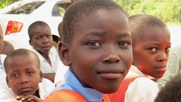 Niña de Migori 1 e1574174928710 Conoce la ONG de Javier Aranguren:Karibu Sana