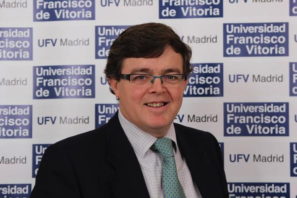 %name Javier Cervera, profesor UFV, habla sobre la exhumación de Franco en RNE