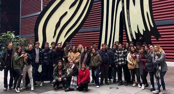Captura de pantalla 2019 12 13 a las 9.57.58 Los alumnos de Comunicación Audiovisual de la UFV visitan el Museo Reina Sofía para conocer las vanguardias del videoarte
