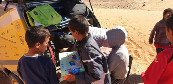 20190312 105026 Participa en la recogida de material escolar para el Sáhara organizada por el Alumni Fran Gómez Estudiar en Universidad Privada Madrid