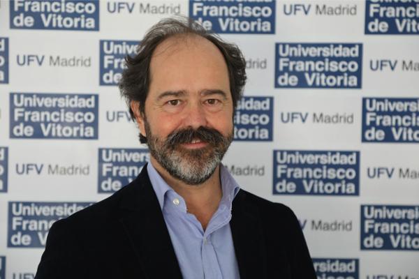 IMG 2837 1 Pablo Delgado de la Serna propone ejercicios en la oficina para evitar el dolor de espalda Estudiar en Universidad Privada Madrid