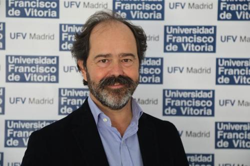 IMG 2837 Pablo Delgado de la Serna, profesor de Fisio y CAFyD, explica en la revista 30 días las ventajas de la terapia manual