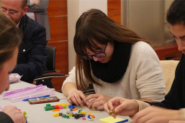 P1480666 La Red de Inversores UFV organiza el primer taller de design thinking