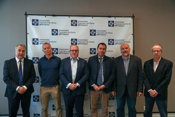 Firma convenio Motordisc La UFV y la empresa Motordisc firman un acuerdo de colaboración para investigar un dispositivo de microhibridación en vehículos